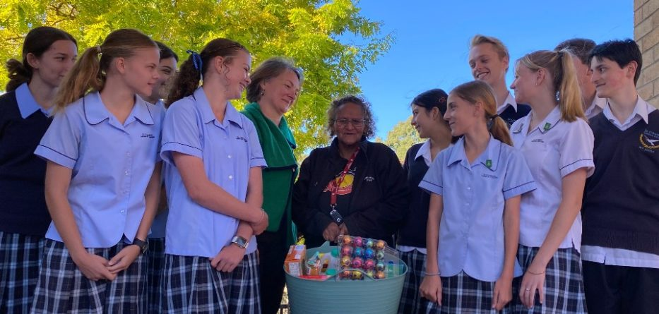 Blue Mountains students share Easter spirit